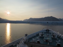 NOR - Svalbard - Midnightsun over Tunabreen201504