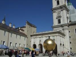 Austria - Salzburg - Cathedral square-002